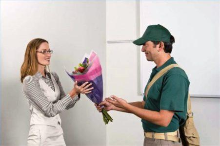 Доставка цветов в Москве недорого