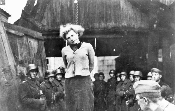 Зверства фашистов над женщинами
