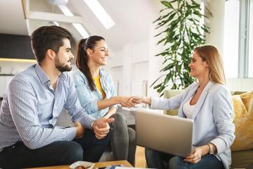 Плюсы и минусы инвестиционного страхования