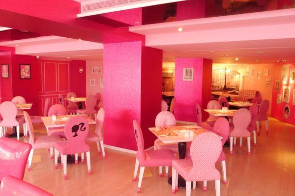 Barbie Café