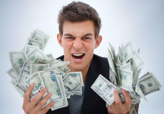 где заработать денег студенту