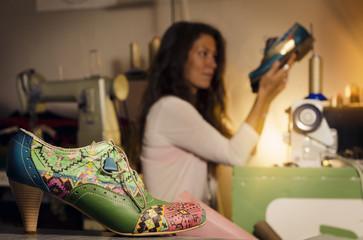 Особенности бизнеса по пошиву обуви