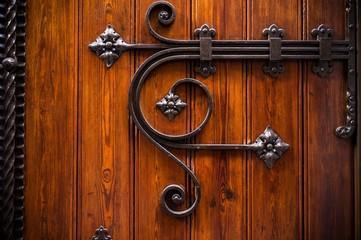 Анализ рынка металлических дверей