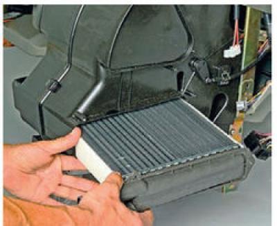 Как снять радиатор печки на Калине?