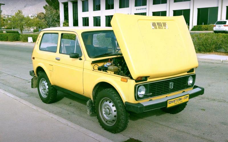 Американский блогер купил «Ниву», чтобы переделать ее в электромобиль