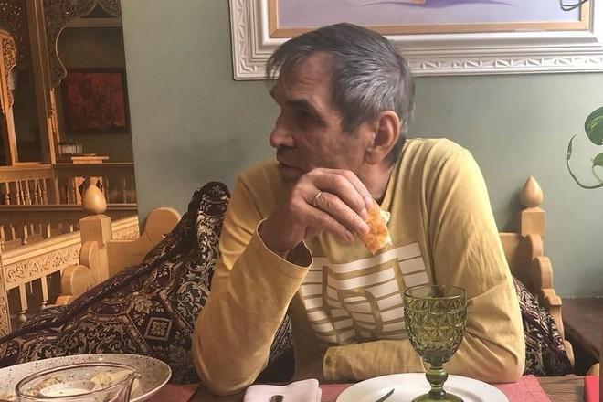 Бари Алибасов два месяца не может нормально есть из-за проблем с пищеводом