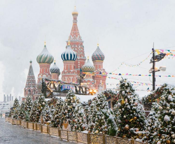 Кто, куда и зачем забирает московский снег?