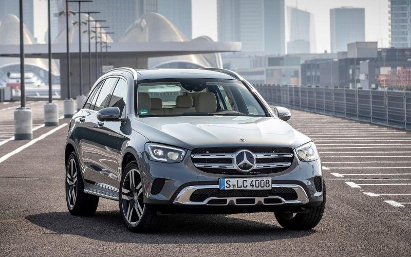 Mercedes отправит на сервис новые кроссоверы GLC в России