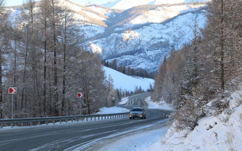 На Алтае решили развивать автомобильный туризм и караванинг