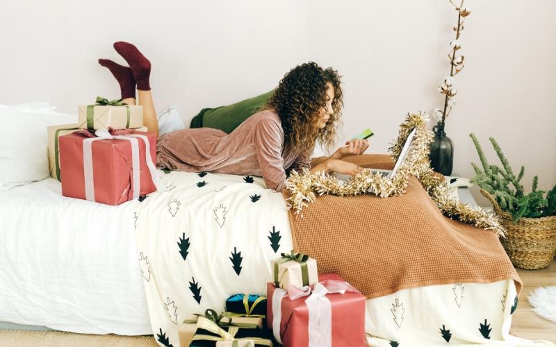 От табурета до комода: какие вещи нужно купить до Нового года