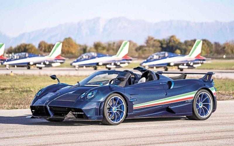 Pagani посвятила свой самый мощный автомобиль пилотажной группе