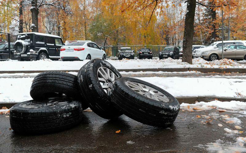 Россияне стали вдвое меньше тратить на подготовку машин к зиме