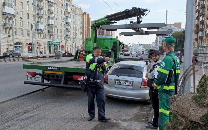 Власти рассказали, откуда в Москве чаще всего эвакуируют машины
